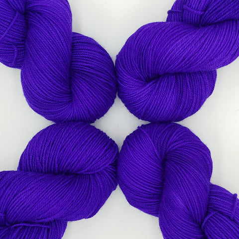 Violet Color; <br>Tahoma Yarn;<br>DK-Weight;<br>100 % SW Merino