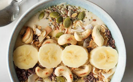 Smoothie bowl with organic banana WPC.