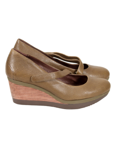 TSUBO Karris Mary Jane Wedge Heel Side - eKlozet Luxury Consignment Boutique