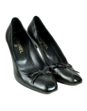 CHANEL Leather Bow Accents Pumps Front - eKlozet Luxury Consignment