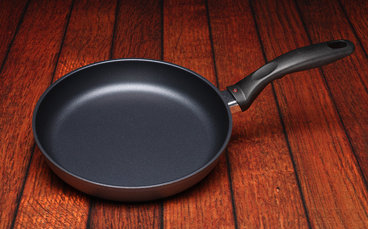 Swiss Diamond Induction Nonstick Fry Pan - 9.5''