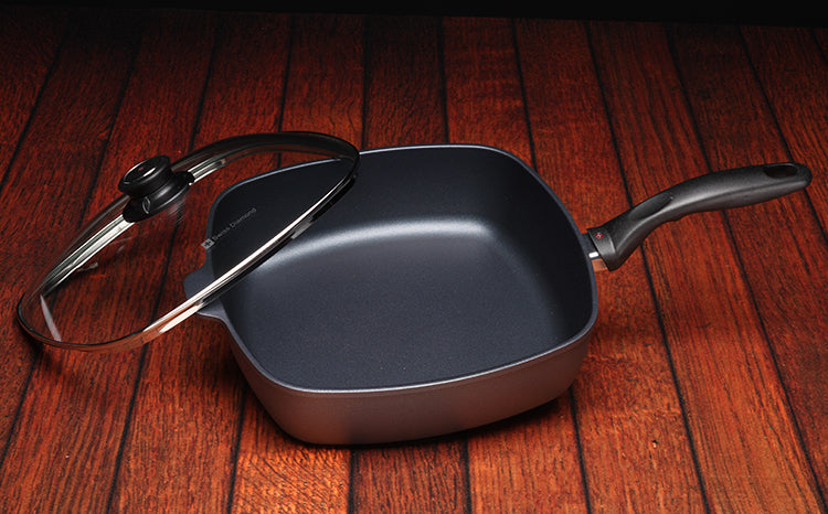 Square Saute Pan with Lid