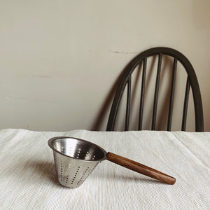 Danish Design Tea Strainer - MAULE & MAULE