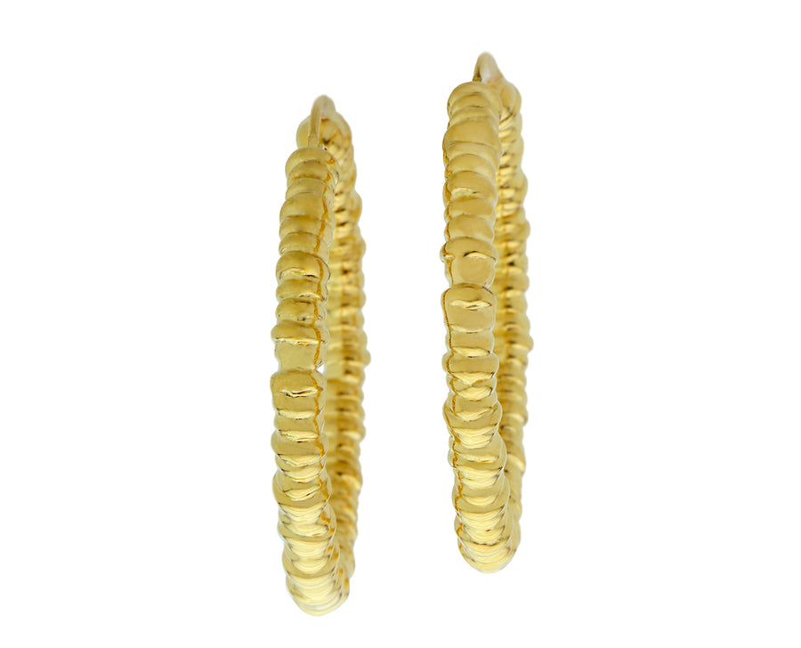 Yellow gold ribbed earrings