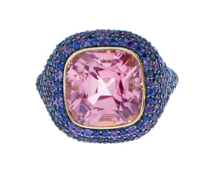 Yellow gold ring with pink tourmaline and sapphire