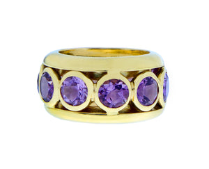 Yellow gold ring with amethysts