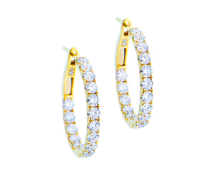 Yellow gold creoles with diamonds