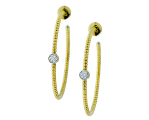 Yellow gold earrings with a diamond element