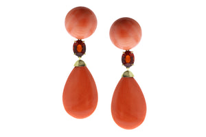 Yellow gold earrings with coral and spessartite garnet