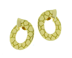 Yellow gold round earrings, croco style