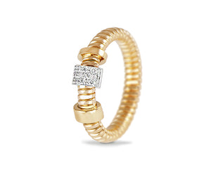 Yellow gold tubo ring with a flexible diamond element
