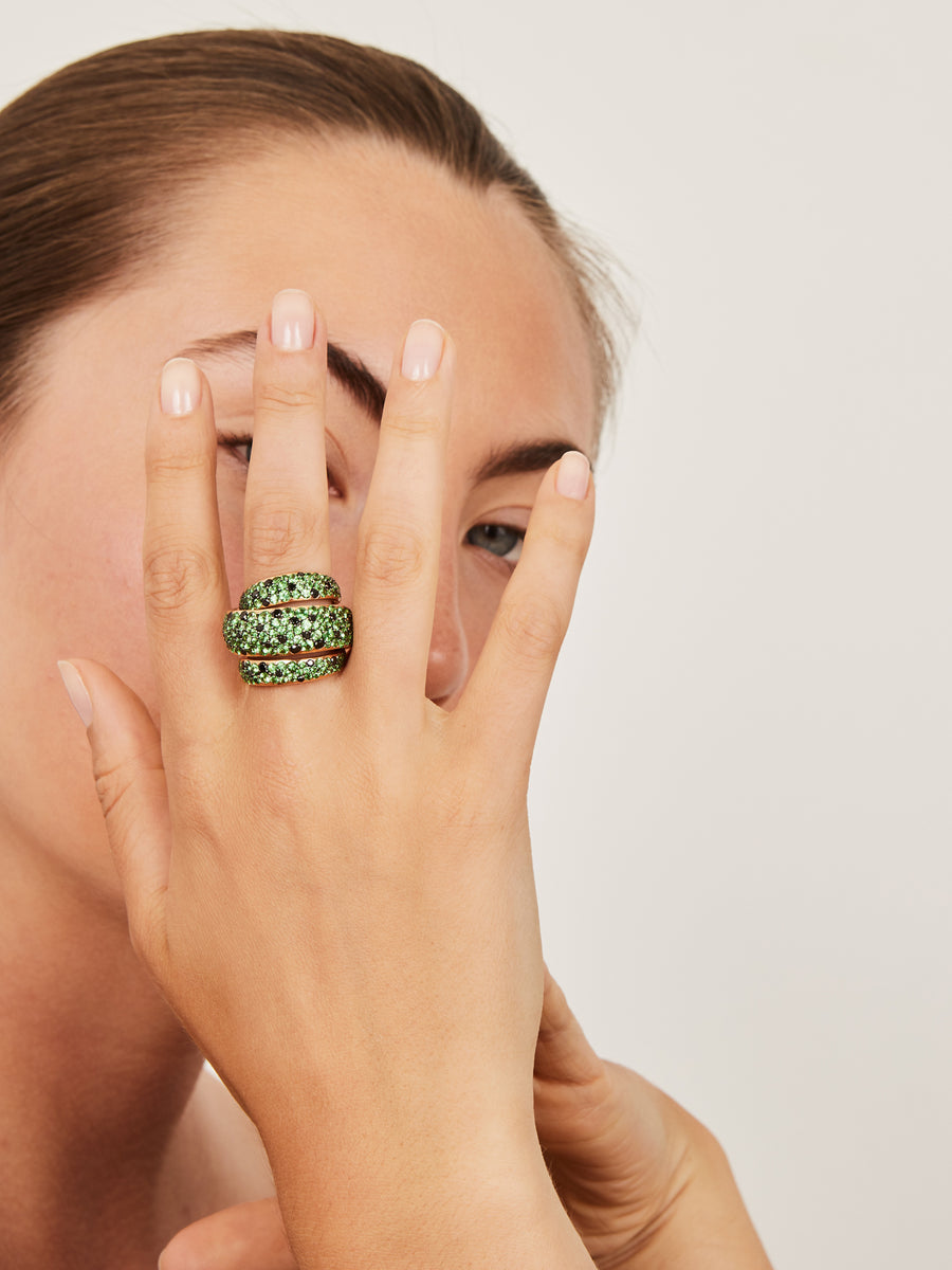 Tsavorite and black diamond ring
