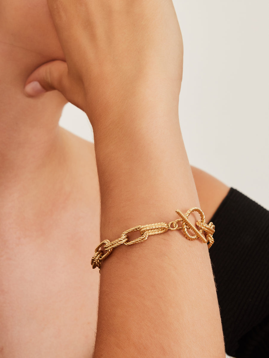 Yellow gold twisted bracelet