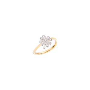 Ring with diamond clover