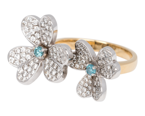 Ring with two flowers