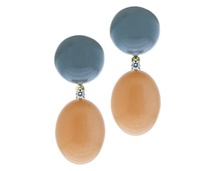 Yellow gold earrings with diamonds and cabochon cut moonstone