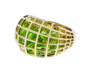 Yellow gold ring with peridots