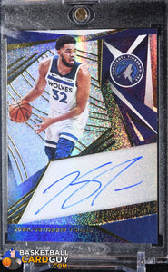 Karl-Anthony Towns 2019-20 Panini Revolution Autographs #3 - Basketball Cards