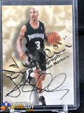 Stephon Marbury 1998-99 SkyBox Premium Autographics #78 - Basketball Cards