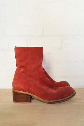 vintage Candie's rust suede boots