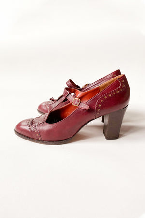 Yves Saint Laurent Burgundy Pumps 38.5 B