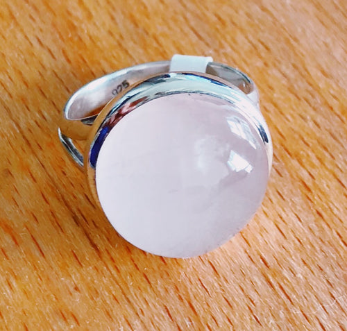 Rose Quartz Round Polished High Dome Stone
