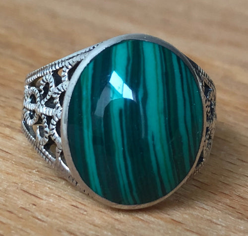 Malachite Silver Ring Size 8