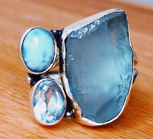AQUAMARINE RING - 1 NATURAL, 1 POLISHED LARIMAR, 1 FACETED BLUE TOPAZ  STERLING SILVER  BAND ; SIZE 6.75