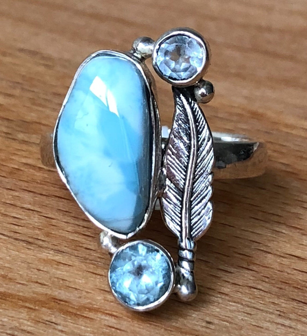LARIMAR RING with TWO FACETED BLUE TOPAZ WITH STERLING SILVER FEATHER  STERLING SILVER BAND     SIZE 8.25