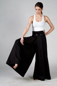 Liana Woman Wide-leg Palazzo Long Pants in Japanese Style in Black