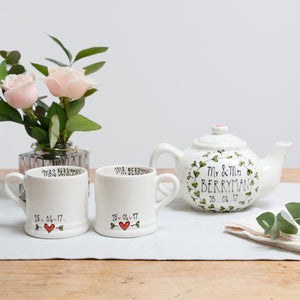 Simple leaf wreath Mr and Mrs Teapot and Mugs set