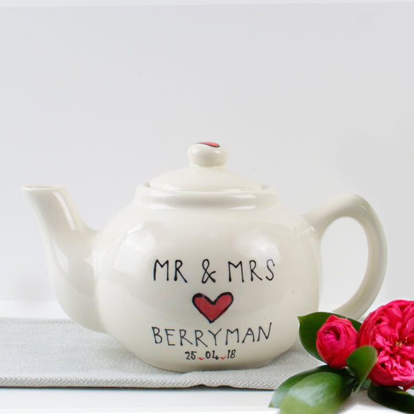 Classic Red Heart Mr and Mrs Teapot and Mugs set