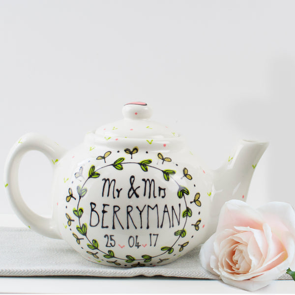 Simple leaf wreath Personalised Mr and Mrs Teapot