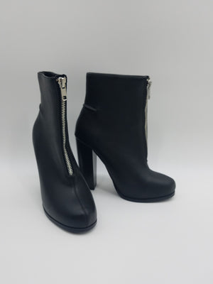 Steve Madden Black Shoes, Boots
