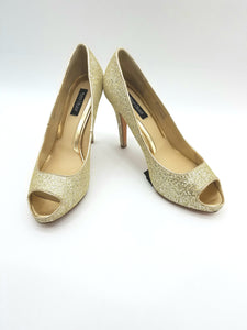 White House Gold Shoes, Heels