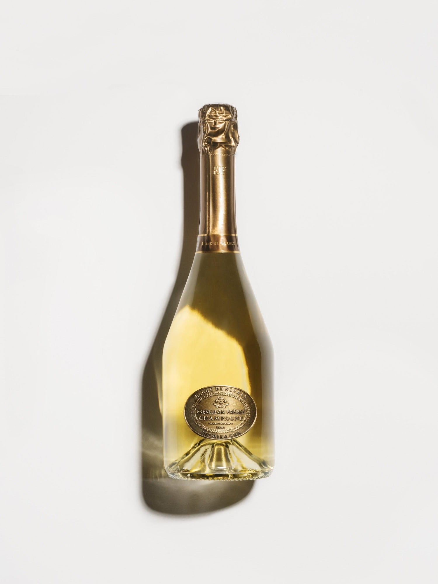These are the most beautiful champagne bottles for a wedding