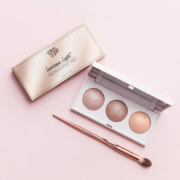 Luminous Light Highlighter Trio with Free Flawless Finish Highlighter Brush