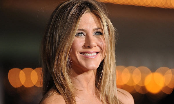 An Evil Eye Necklace Like Jennifer Aniston: The Best Solution to Send a Message