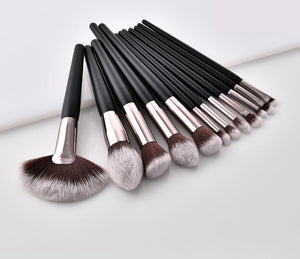 Soft & flawless 12piece Brush set