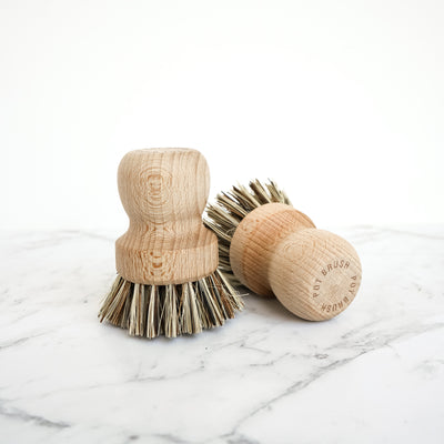Wooden Pot Brush with Stiff Bristles