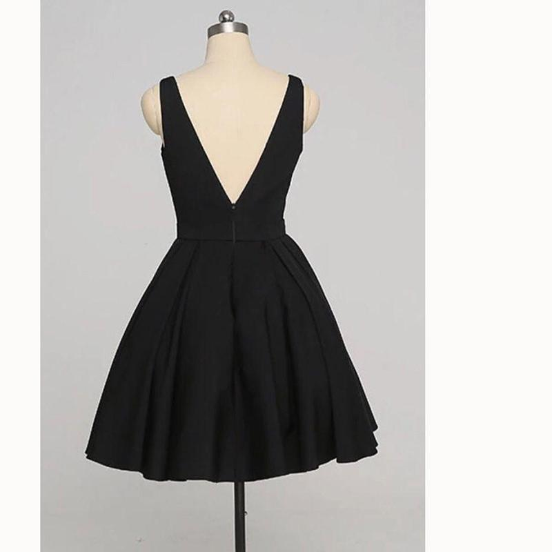 Simple Black V Neck Short Cheap Custom Homecoming Dresses 2018,BDY0226