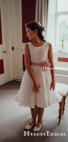 products/whiteflowergirldresses_4d7945fd-74a6-43de-bfa2-223dab2b4d55.jpg