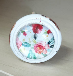 SHABBY WHITE & RED FLOWERS KNOB