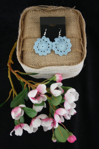 BLUE FLOWER DOILY EARRINGS