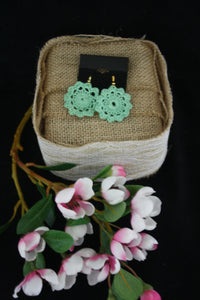 GREEN FLOWER DOILY EARRINGS
