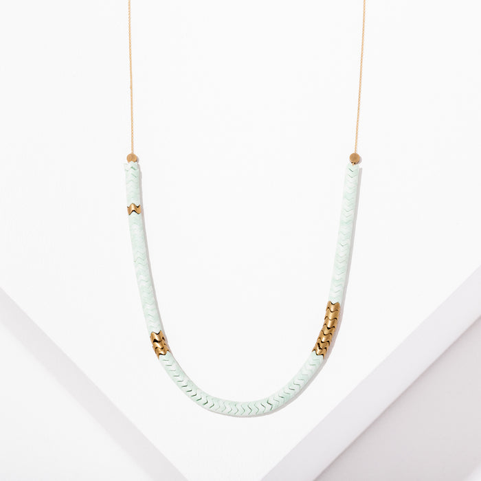 Wavy Gemstone Necklace