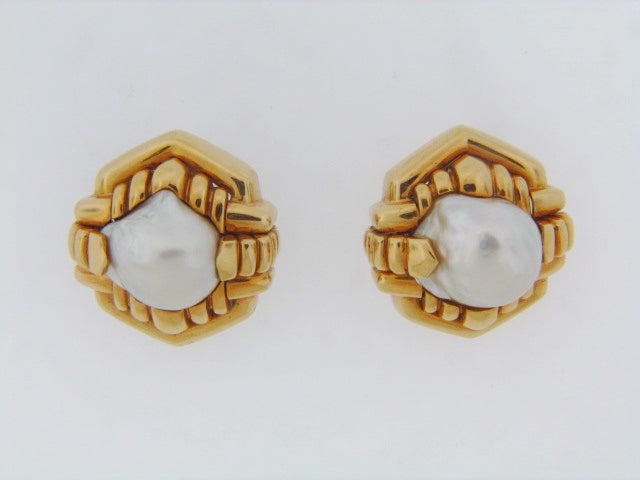 18K-YG BAROQUE PEARL EARCLIPS BY