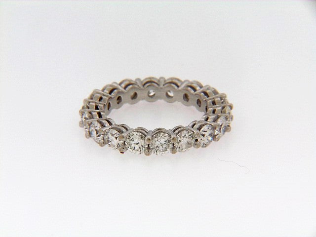 18K-WG DIAMOND ETERNITY BAND
