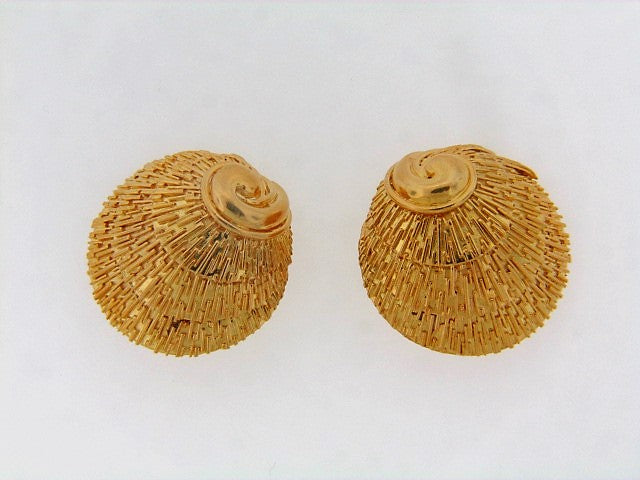 18K-YG SCALLOP MOTIF EARRINGS