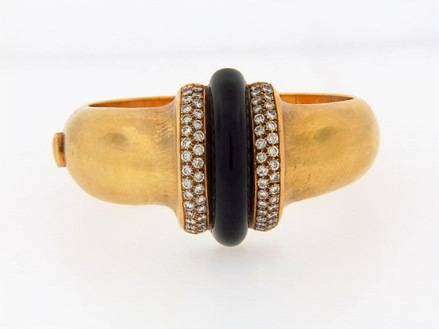 18K-YG BLACK ONYX AND DIAMOND CUFF BRACELET